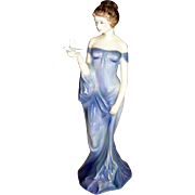 "Royal Doulton Porcelain Figurine ""Women with Bird"" 1977"
