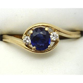 Vintage 18KYG Ladies Ring with STUNNING Sapphire!