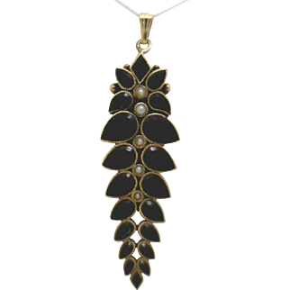 EXQUISITE Turn of the Century Onyx & Pearl Pendant in 14KG