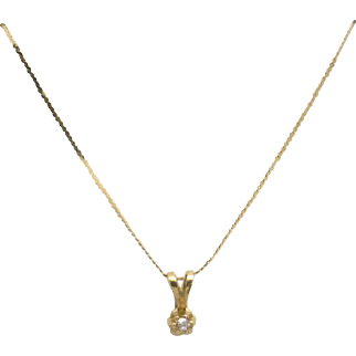 "Estate 14KYG ITALY 16"" Serpentine Chain with .03 carat Diamond Pendant"