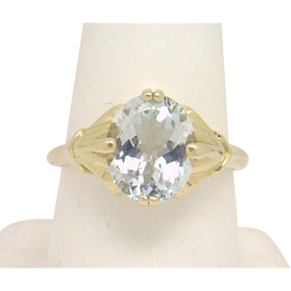 Sophisticated Style 14KYG Oval Aquamarine (appox 2.90cts) Ladies Ring GREAT BUY!