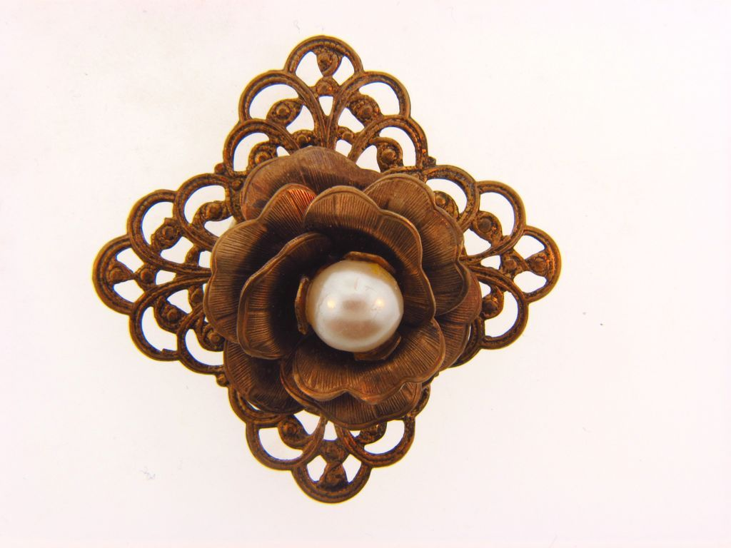 Charming vintage floral button cover