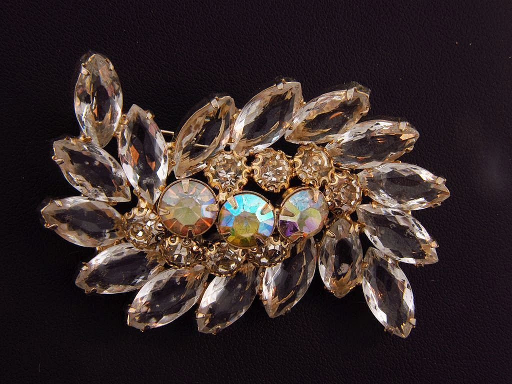 Unusual vintage clear rhinestone brooch