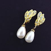 Elegant large imitation pearl drop clip on earrings with rhinestones