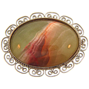 Vintage silver tone brooch with large oval agate stone