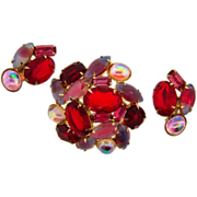Gorgeous vintage rhinestone Brooch and matching clip on Earrings