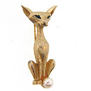 Signed Boucher 7871 Siamese cat brooch