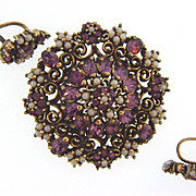 Lovely vintage rhinestone Brooch and screw on Earrings  with purple rhinestones and imitation pearls