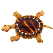 Signed DeNicola gold tone Turtle brooch with rhinestones