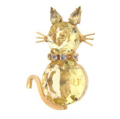 Rhinestone cat brooch with a crystal rhinestone collar