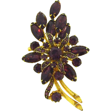 Gorgeous 1960's floral rhinestone Brooch with deep purple stones