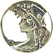 Marked 925 sterling silver Brooch with cut out lady in bonnet