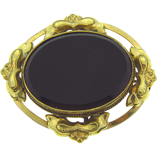 Beautiful black glass mourning Brooch in gold tone frame