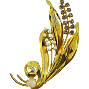 Large 1940's floral Brooch with imitation pearls and lavender rhinestones