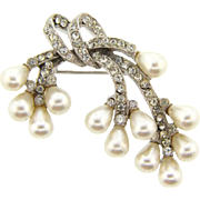 Signed Art exquisite crystal rhinestone and imitation pearl Brooch