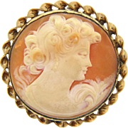 Lovely shell cameo Brooch in a circular gold filled frame