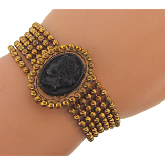 Vintage wide chain Bracelet with black composition Cameo
