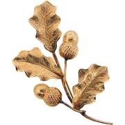 Lovely gold filled fall Brooch of leaves and acorns