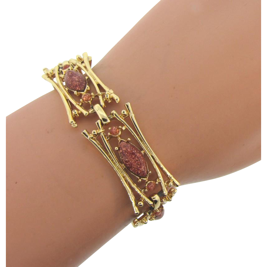 Vintage 1960's gold tone link Bracelet with composition copper fleck beads and navettes