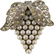 Vintage Art Deco  1940's Dress Clip with crystal rhinestones and imitation pearls