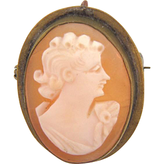 Small vintage shell cameo Brooch/Pendant