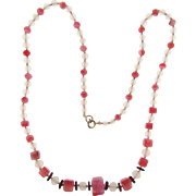 Lovely vintage all glass bead Necklace with opaque and pink beads