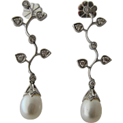 Elegant Long 18K White Gold Earrings w/ Pearl & Diamonds