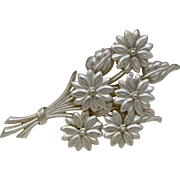 1930s Celluloid  Bouquet Flowers Daisies Pin Brooch
