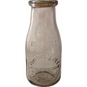 Fort Bragg Cal Milk Cream & Butter Co. Pint Bottle