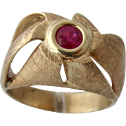 Modernist 14K Ruby Pinwheel Domed Ring Sz 11
