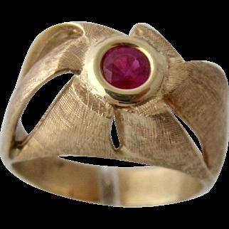 Modernist 14K Ruby Pinwheel Domed Ring Sz 11