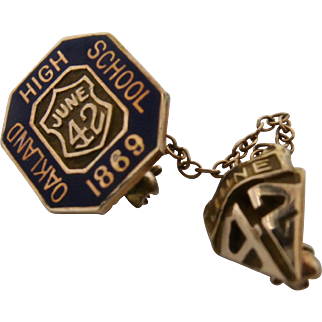 June 1942 Oakland High School 10K Graduation Pin California