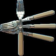 English Forks Celluloid Handles 4 Vintage Luncheon Salad Dessert Fish