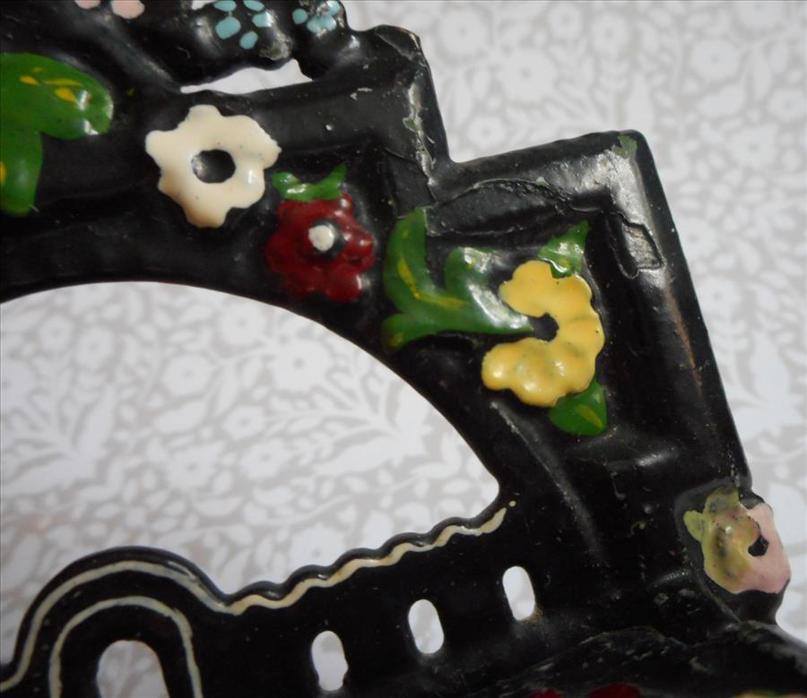 What Is The Paint Used In Enameled Cast Iron