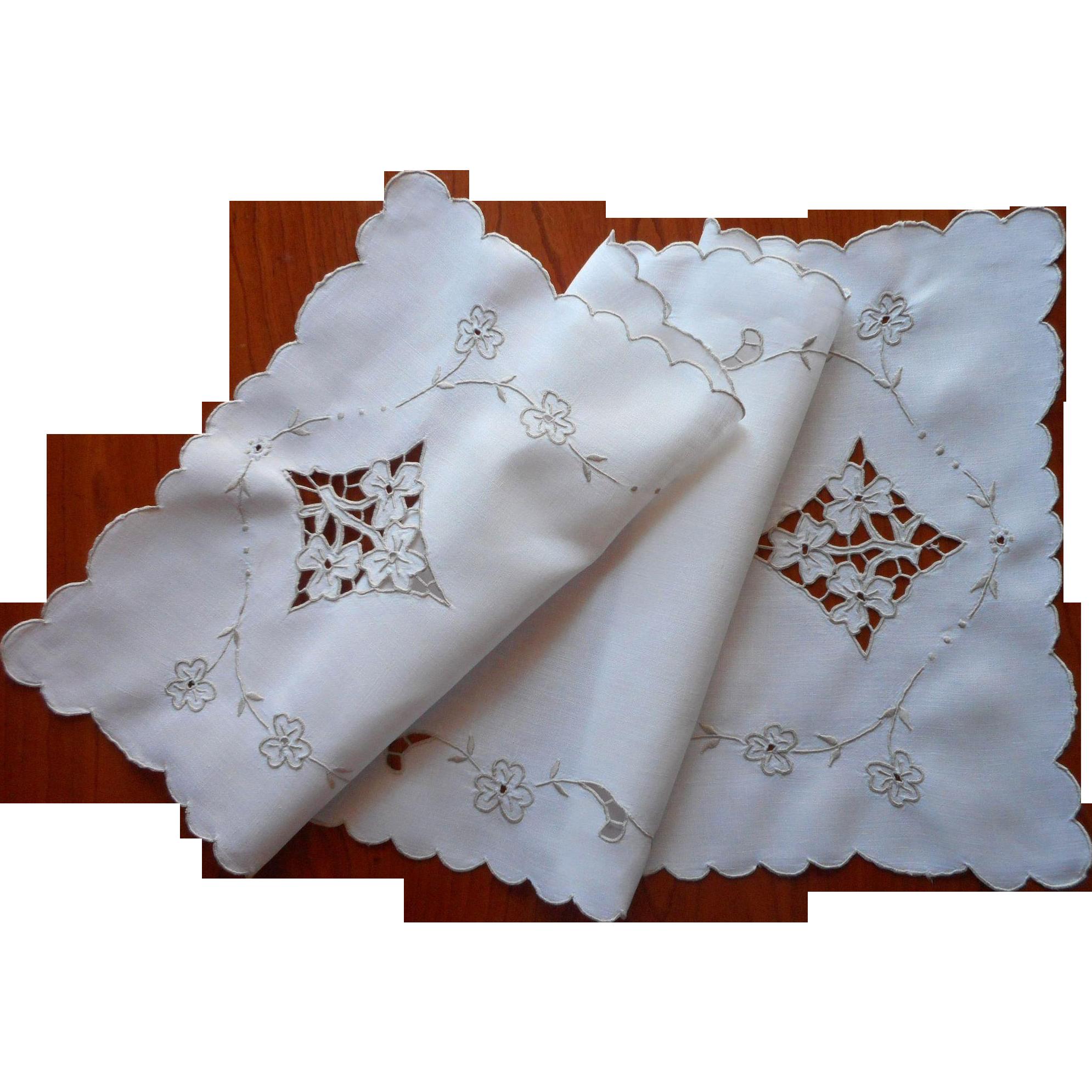 Madeira runner vintage linen ecru cutwork hand embroidery for Glass cut work designs
