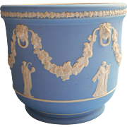 Wedgwood Pale Blue Dip Jasperware Jardiniere Cache Planter Pot