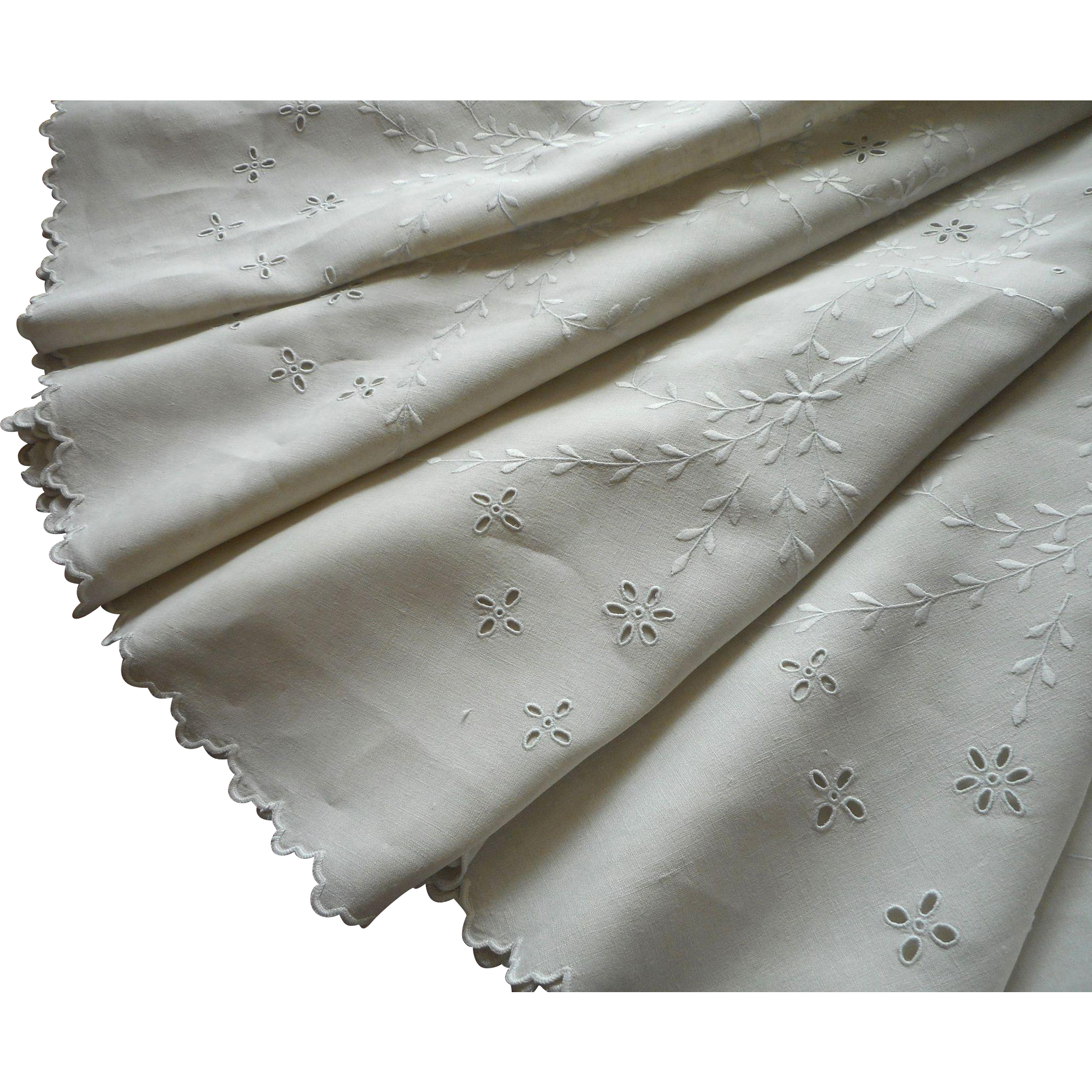 Antique round tablecloth linen cutwork embroidery pale for Glass cut work designs