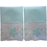 Vintage Guest Towels Pair Appliqued Embroidered Linen Green
