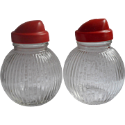 Vintage 1940s Hazel Atlas Shakers Large Ribbed Blass Shape Glass Red Plastic Tops Salt Pepper