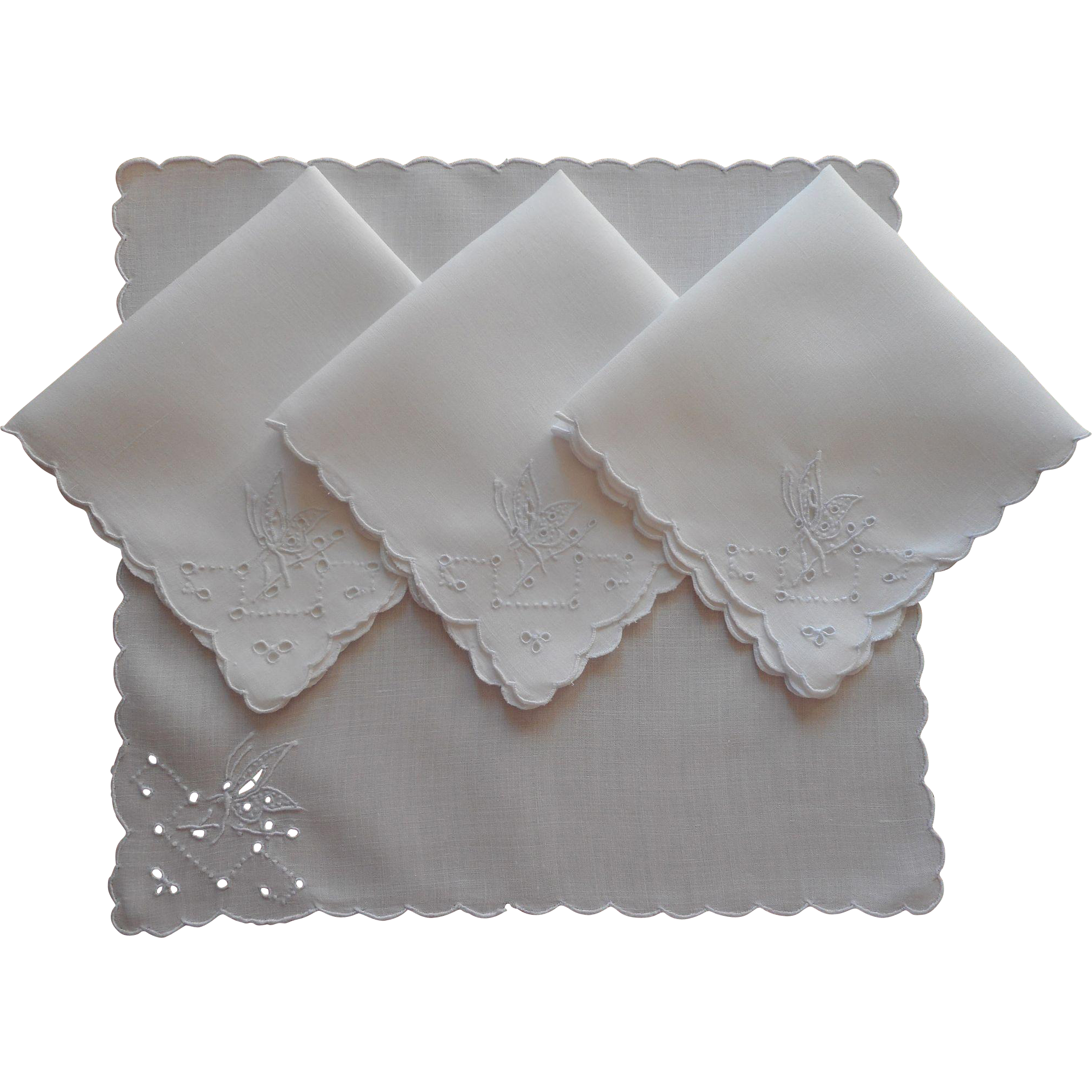 Tea napkins vintage linen cutwork hand embroidery for Glass cut work designs