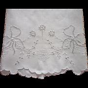 Antique Towel Cutwork Bows Hand Embroidery Cutwork Linen