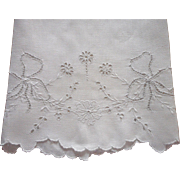 Antique Towel Cutwork Bows Hand Embroidery Cutwork Linen