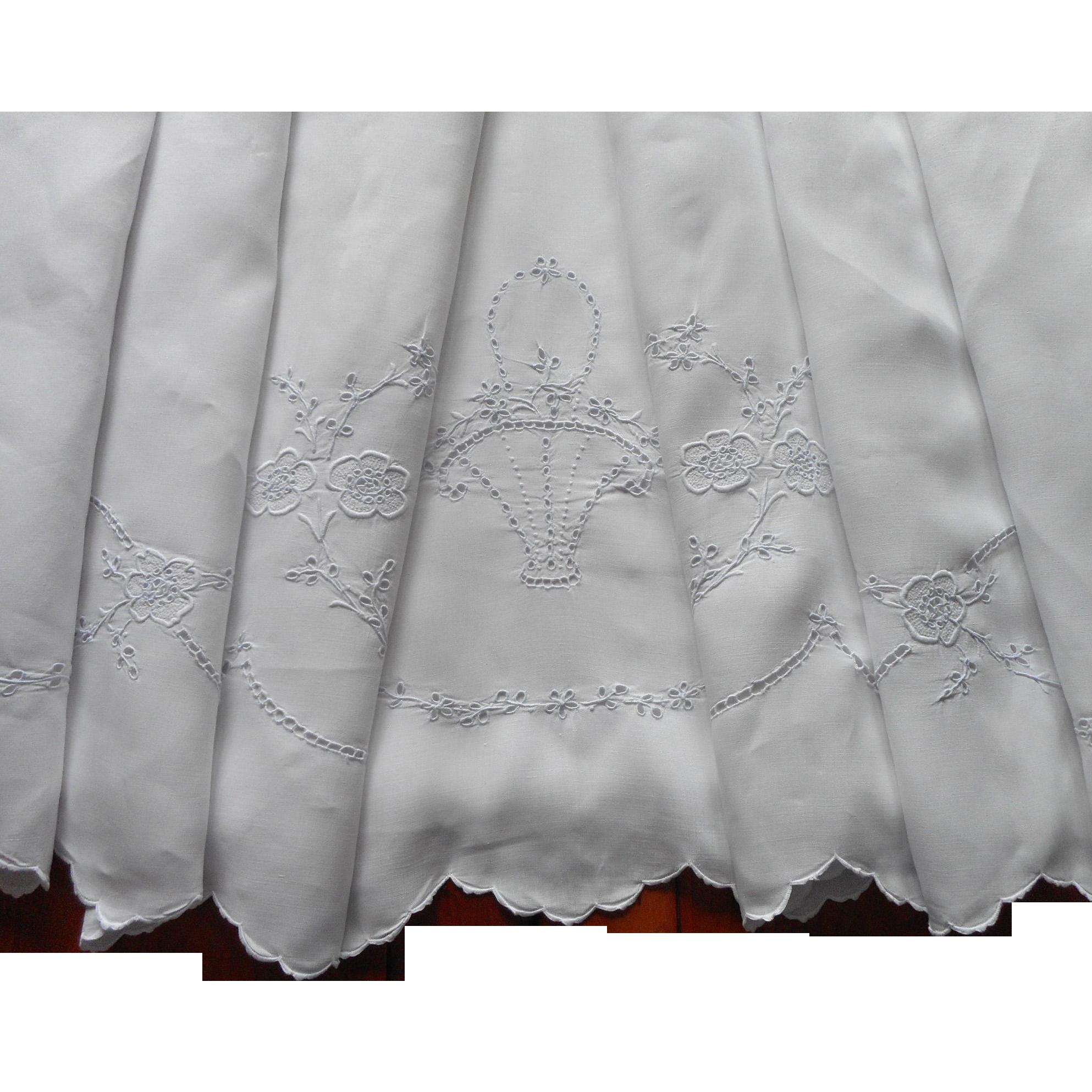 Linen sheet vintage madeira hand embroidered cutwork tlc for Glass cut work designs