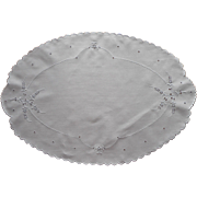 Antique Linen Cutwork Hand Embroidery Oval Centerpiece Tray Doily All White
