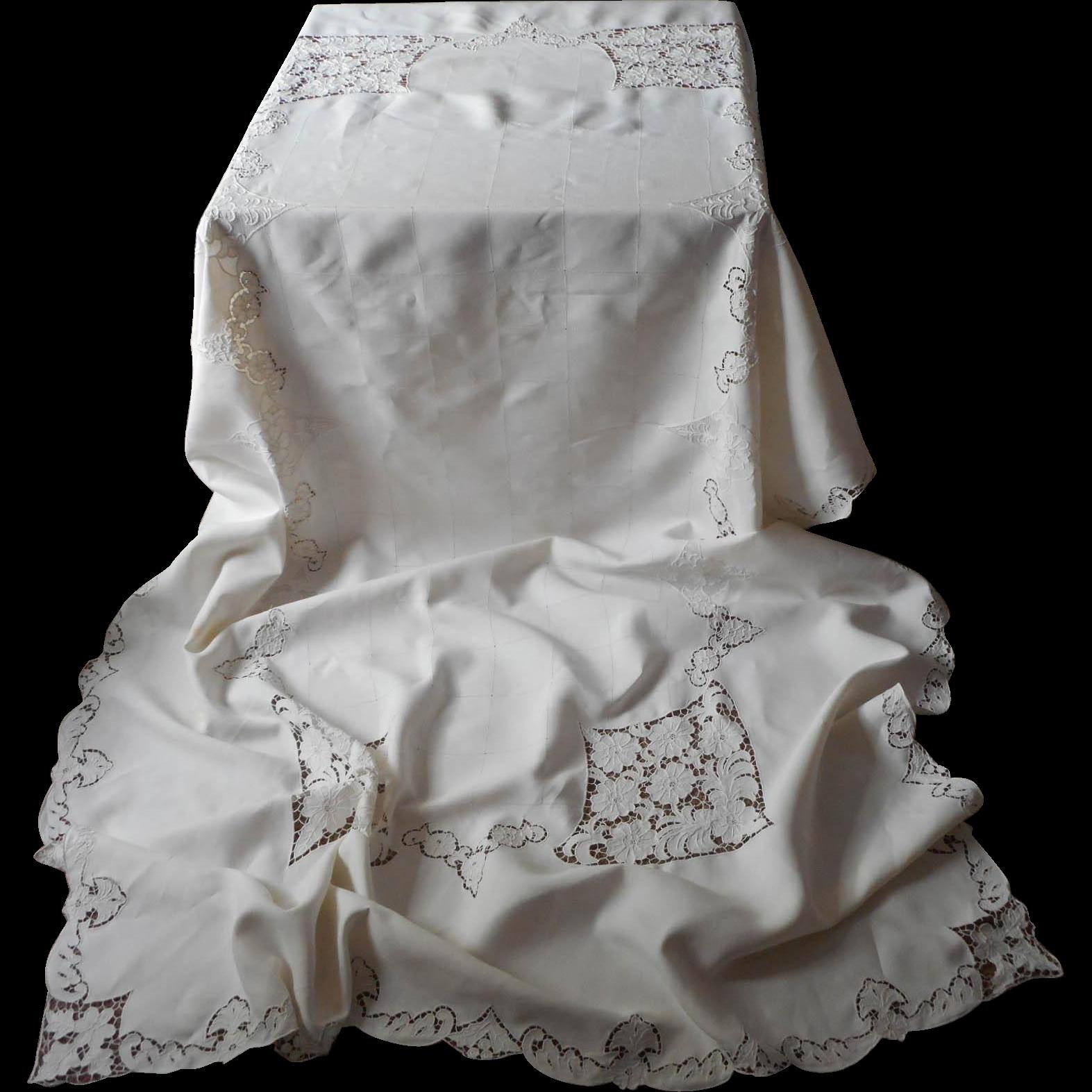Vintage Madeira Cutwork Linen Tablecloth 122 x 68 7 Napkins Set Hand Embroidered