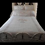 ca 1920 Bedspread Hand Embroiderd Lace Flower Basket Vintage Cotton - Red Tag Sale Item