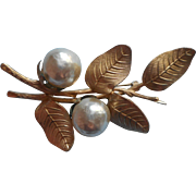 Vintage Faux Baroque Pearls Pin Giovanni Signed
