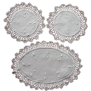 Antique Doilies Set Console ca 1920 Linen Crocheted Lace