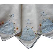 Souther Belle Tea Tablecloth Vintage Appliqued Hand Embroidered TLC