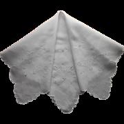 1910s Madeira Tea Tablecloth Antique Linen Cutwork Hand Embroidery